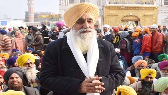 punjab page;Cabinet Minister Sikandar Singh Maluka appear before the Akal Takht. he was awarded religious punishment for indulging in distortion of ardas at Golden Temple in Amritsar on Sunday.photo vishal kumar