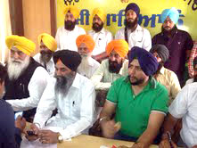 Karnail Singh Peermohammad addressing a press conference