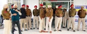 Police-outside-Emergency-ward-of-Civil-Hospital-Ludhiana-e1425014242117